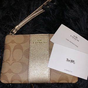Authentic COACH Tan/Gold Small Wristlet